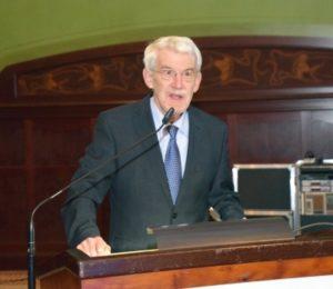 Der wissenschaftliche Leiter des Zahnärztetages Prof. Dr. Dr. Klaus Louis Gerlach