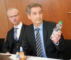 Kammerpräsident Dr. Carsten Hünecke und KZV-Vorstandsvorsitzender Dr. Jochen Schmidt (l.), während der Pressekonferenz anlässlich des Neujahrsempfanges der Heilberufler.